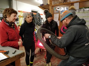 Basic bike maintenance classes with Outfit Moray and Bike Revolution